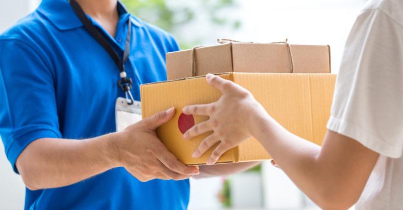 Una consegna a domicilio di farmaci